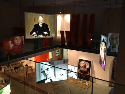 modèle VIEWER double face, format 2m x 1m suspendu, Musée COMPA des arts décoratifs Chartres